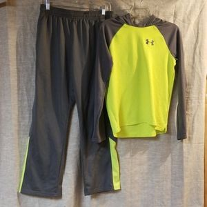 Under armour outfit size boys XL